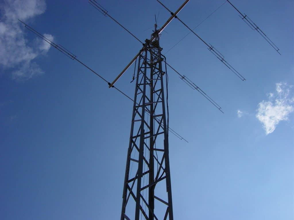 Mon antenne sur son pylone